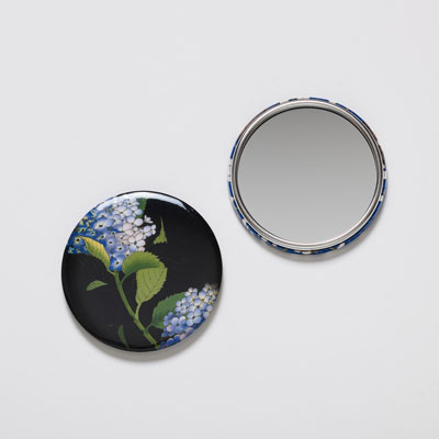 Mirror with hydrangea design